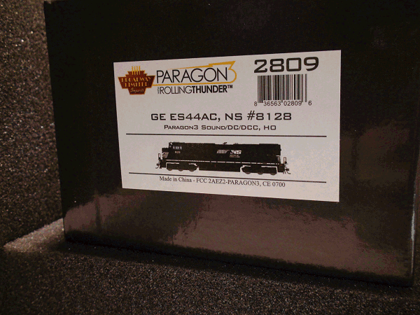 GE ES44AC, NS 8128, Railroad<br>Heritage Paint