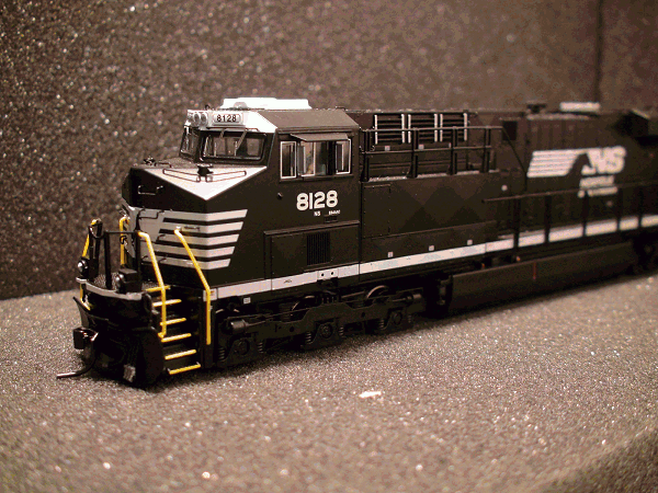 GE ES44AC, NS 8128, Railroad<br>Heritage Paint