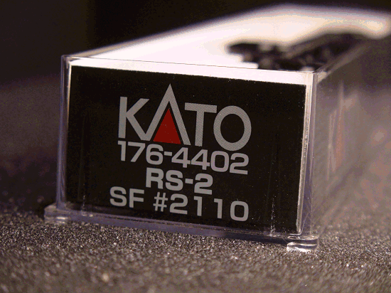 N-SCALE KATO 176-4402 RS-2 A.T.S.F. ROAD 2110 / SF