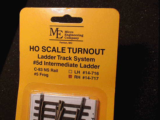 HO LADDER TRACK SYSTEM  RH TURNOUT